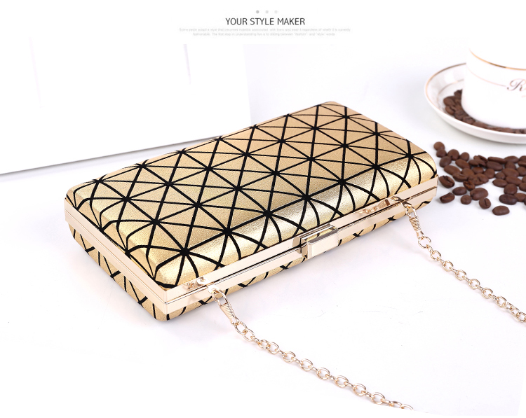 B362 IDR.155.000 MATERIAL PU SIZE L22XH11XW4CM WEIGHT 450GR COLOR GOLD
