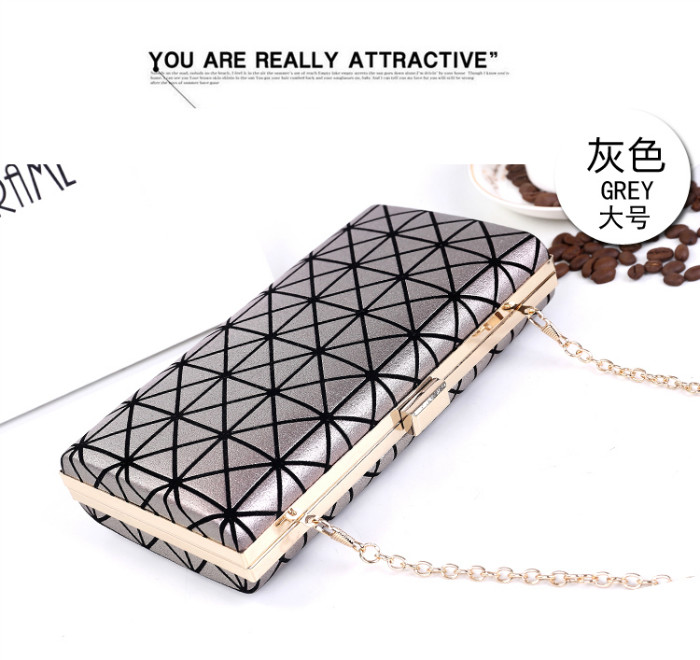 B362 IDR.170.000 MATERIAL PU SIZE L22XH11XW4CM WEIGHT 450GR COLOR SILVER