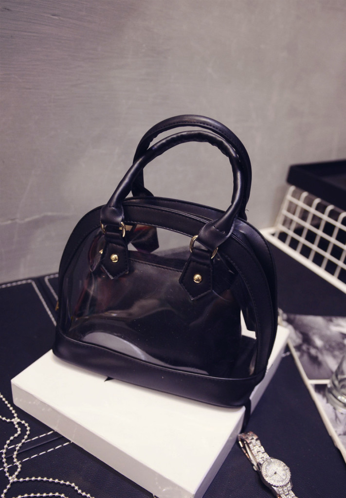 B386 IDR.192.000 MATERIAL PU SIZE L23XH21XW12CM WEIGHT 650GR COLOR BLACK
