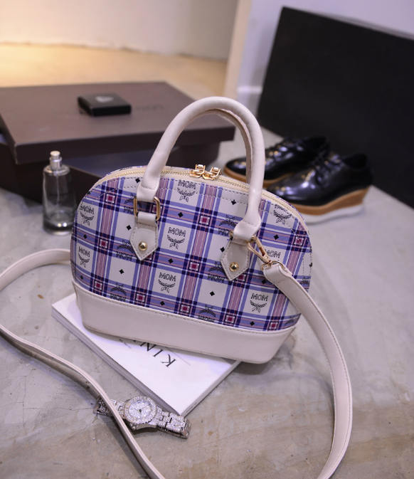B390 IDR.188.000 MATERIAL PU SIZE L24XH19XW11CM WEIGHT 800GR COLOR WHITE.jpg