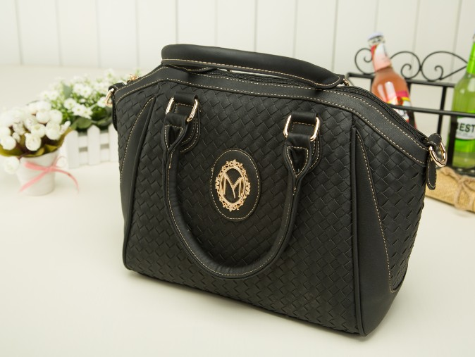 B423(2in1) IDR.225.000 MATERIAL PU SIZE L40XH27XW13CM WEIGHT 950GR COLOR BLACK