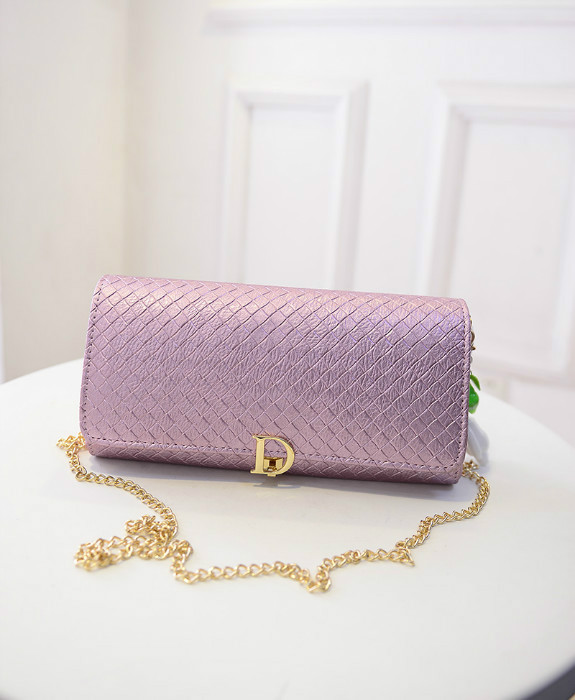 B433 IDR.180.000 MATERIAL PU SIZE L28XH16XW3CM WEIGHT 600GR COLOR PINK