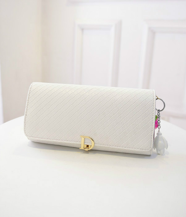 B433 IDR.180.000 MATERIAL PU SIZE L28XH16XW3CM WEIGHT 600GR COLOR WHITE