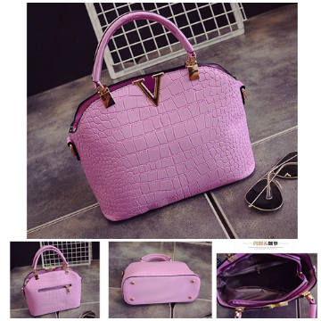 B437 IDR.172.000 MATERIAL PU SIZE L27XH22XW11CM WEIGHT 600GR COLOR VIOLET