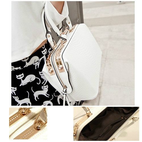 B450 IDR.215.000 MATERIAL PU SIZE L38XH21XW16CM WEIGHT 1200GR COLOR WHITE