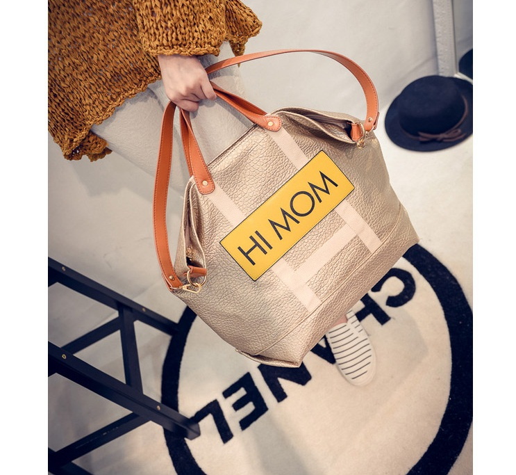 B472 IDR.185.000 MATERIAL PU SIZE L32XH34XW20CM WEIGHT 800GR COLOR GOLD
