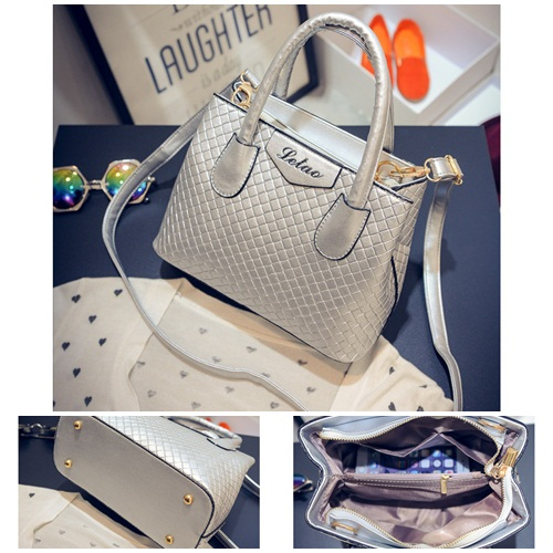 B474 IDR.175.000 MATERIAL PU SIZE L24XH18XW11CM WEIGHT 700GR COLOR SILVER