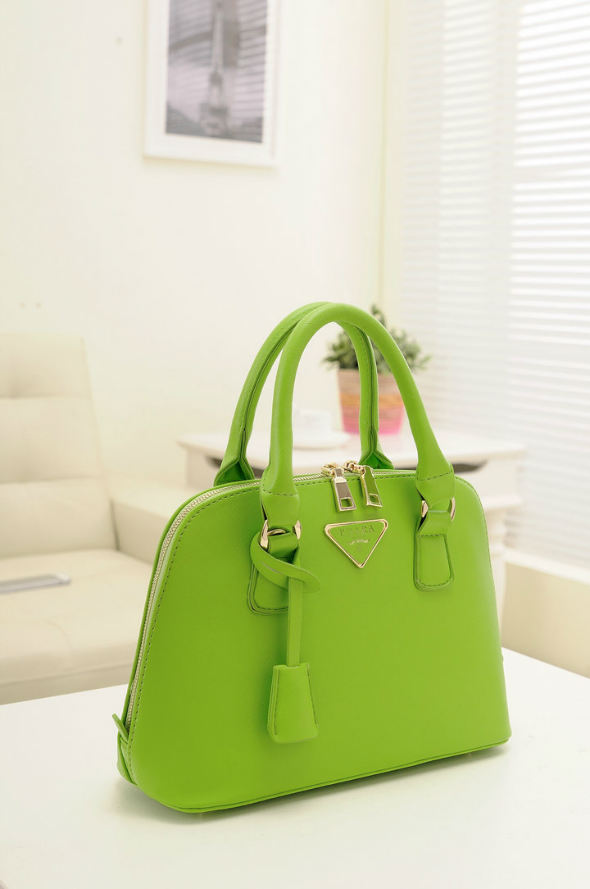 B478 IDR.192.000 MATERIAL PU SIZE L29XH20XW10CM WEIGHT 800GR COLOR GREEN