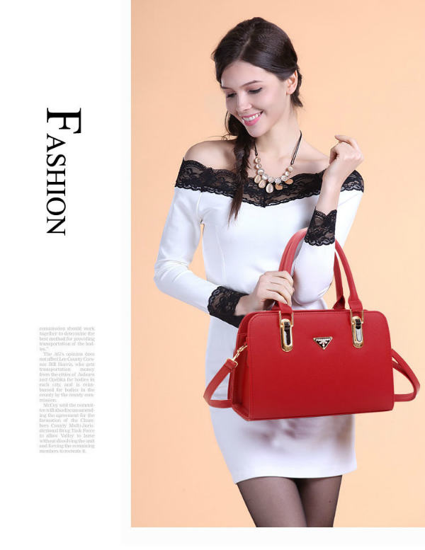 B487 IDR.193.000 MATERIAL PU SIZE L30XH20XW12CM WEIGHT 900GR COLOR RED.jpg