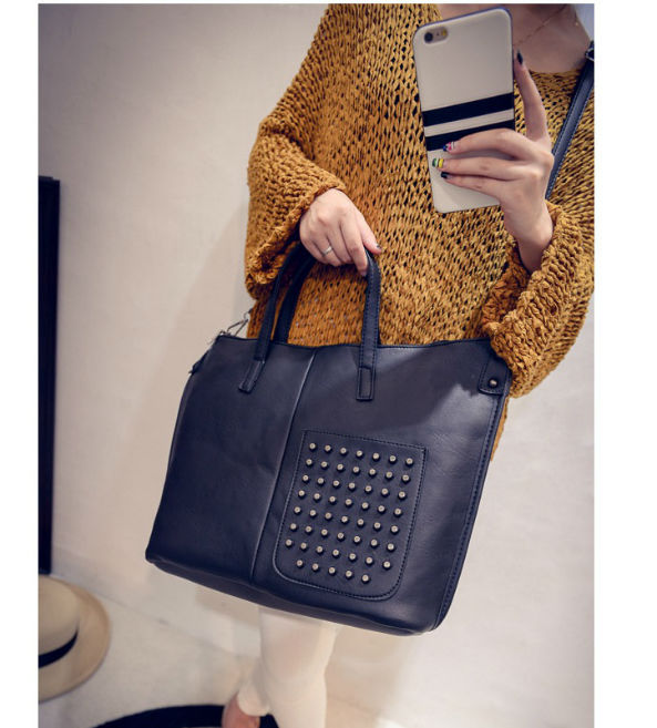 B492 IDR.192.000 MATERIAL PU SIZE L36XH30XW12CM WEIGHT 600GR COLOR BLACK.jpg