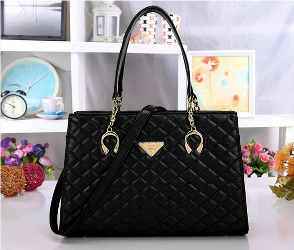 B510 IDR.206.000 MATERIAL PU SIZE L35XH24XW13CM WEIGHT 750GR COLOR BLACK