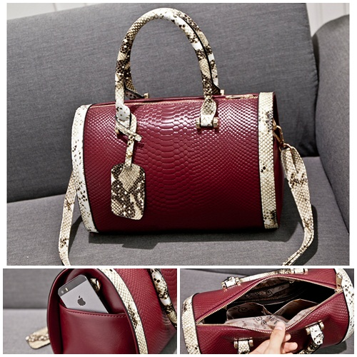 B5150 IDR.219.000 MATERIAL PU SIZE L29XH20X15CM WEIGHT 700GR COLOR RED
