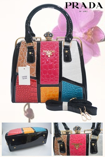 B5430 IDR.270.000 MATERIAL PU SIZE L30XH26XW14CM WEIGHT 1450GR COLOR ASPHOTO