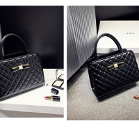 B545 IDR.195.000 MATERIAL PU SIZE L28XH20XW11CM WEIGHT 750GR COLOR BLACK
