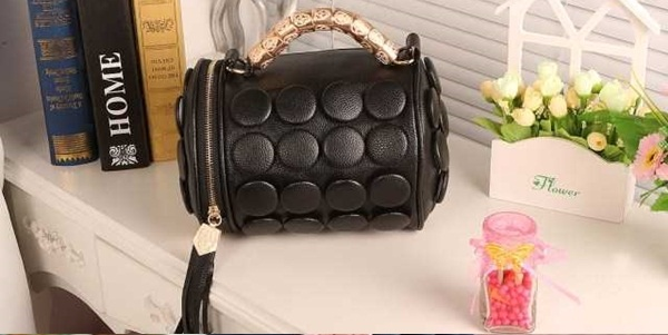 B591 IDR.162.000 MATERIAL PU SIZE L20XH18CM WEIGHT 650GR COLOR BLACK