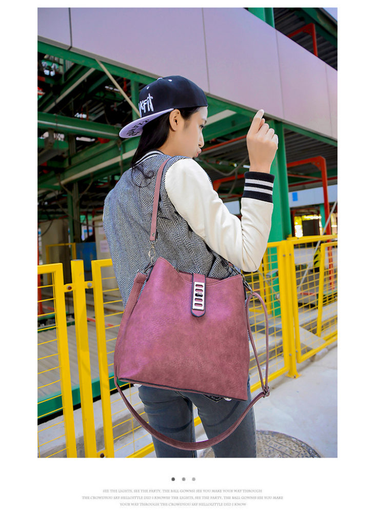 B594 IDR.186.000 TAS FASHION MATERIAL PU SIZE L27XH25XW13CM WEIGHT 750GR COLOR ROSE