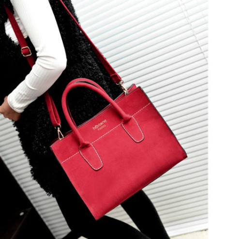 B607-IDR-205-000-MATERIAL-MATTE-PU-SIZE-L32XH26XW15CM-WEIGHT-700GR-COLOR-RED.jpg