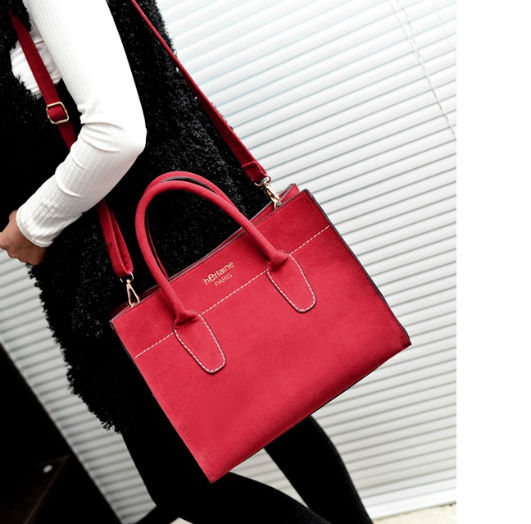 B607 IDR.205.000 MATERIAL MATTE-PU SIZE L32XH26XW15CM WEIGHT 700GR COLOR RED.jpg