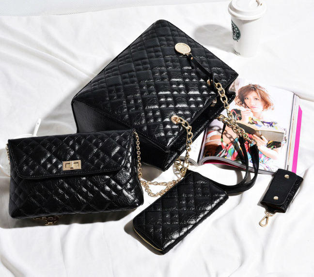 B613-(4in1) IDR.250.000 MATERIAL PU SIZE L32XH26XW14CM WEIGHT 1300GR COLOR BLACK