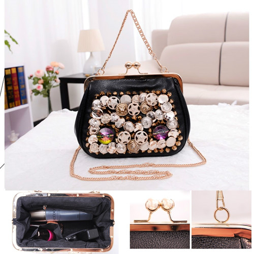 B694 IDR.170.000 MATERIAL PU SIZE L19XH14XW8CM WEIGHT 600GR COLOR BLACK
