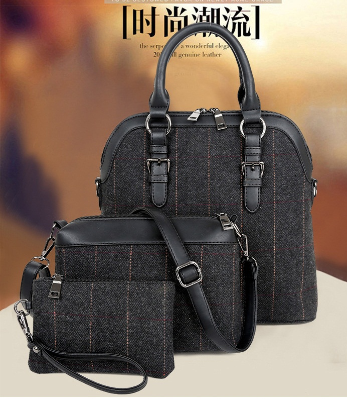 B703-(3in1) IDR.200.000 MATERIAL CANVAS SIZE L32XH30XW11CM WEIGHT 1300GR COLOR BLACK