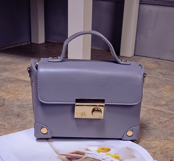 B707 IDR.176.000 MATERIAL PU SIZE L20XH14XW9CM WEIGHT 600GR COLOR GRAY