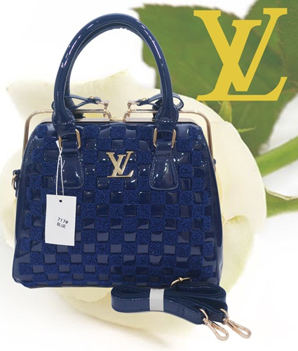 B717 IDR.280.000 MATERIAL PU SIZE L30XH25X15CM WEIGHT 1350GR COLOR BLUE