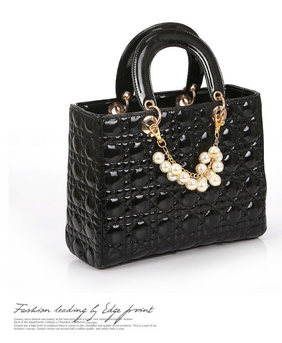 B744 IDR.189.000 MATERIAL PU SIZE L30XH23XW13CM WEIGHT 750GR COLOR BLACK