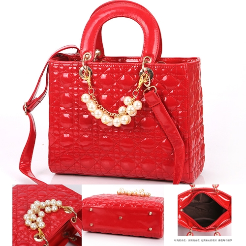 B744 IDR.190.000 MATERIAL PU SIZE L30XH23XW13CM WEIGHT 750GR COLOR RED