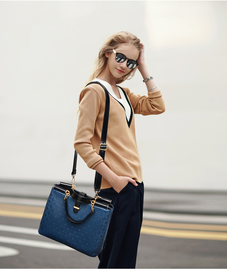 B7770 IDR.228.000 MATERIAL PU SIZE L32XH24XW12CM WEIGHT 900GR COLOR BLUE.jpg