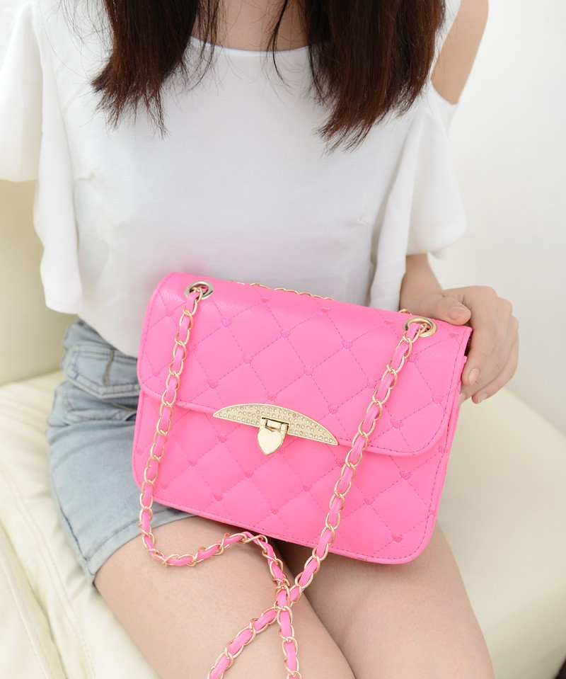 B801 IDR.138.000 TAS FASHION MATERIAL PU SIZE L23XH16XW7CM WEIGHT 500GR COLOR ROSE