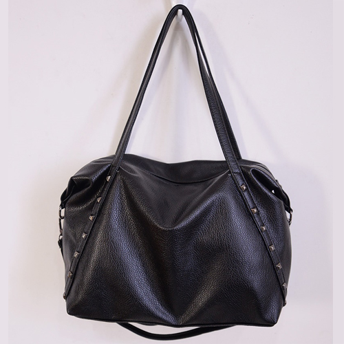 B8011 IDR.159.000 MATERIAL PU SIZE L35XH30XW14CM WEIGHT 700GR COLOR BLACK