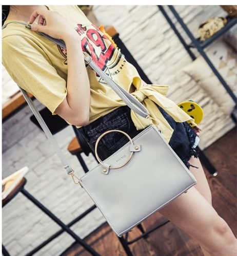 B8060 MATERIAL PU SIZE L26XH20XW8CM WEIGHT 600GR COLOR GRAY