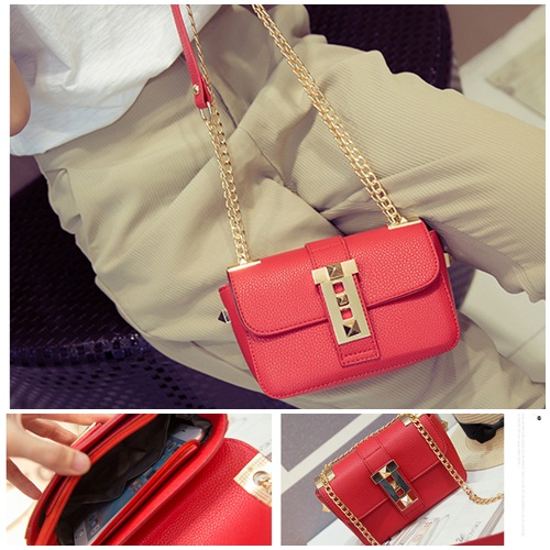 B812 IDR.165.000 MATERIAL PU SIZE L18XH12XW7CM WEIGHT 550GR COLOR RED