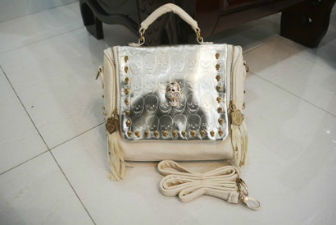 B8158 IDR.180.000 MATERIAL PU SIZE L25XH21XW10.5CM WEIGHT 700GR COLOR APRICOT.jpg