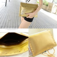 B819 IDR.143.000 MATERIAL PU SIZE L30XH22XW2CM WEIGHT 500GR COLOR GOLD