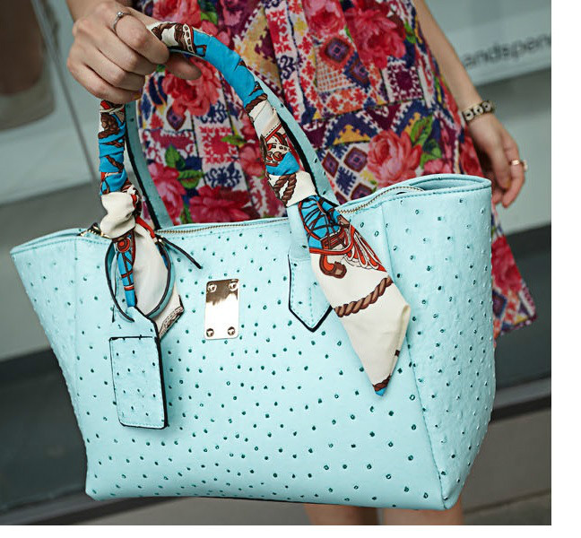 B8267 IDR.199.000 MATERIAL PU SIZE L43XH26XW13CM WEIGHT 750GR COLOR BLUE (WITH SCARF)