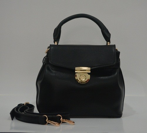 B828 IDR.215.000 MATERIAL PU SIZE L25XH23XW13CM WEIGHT 650GR COLOR BLACK