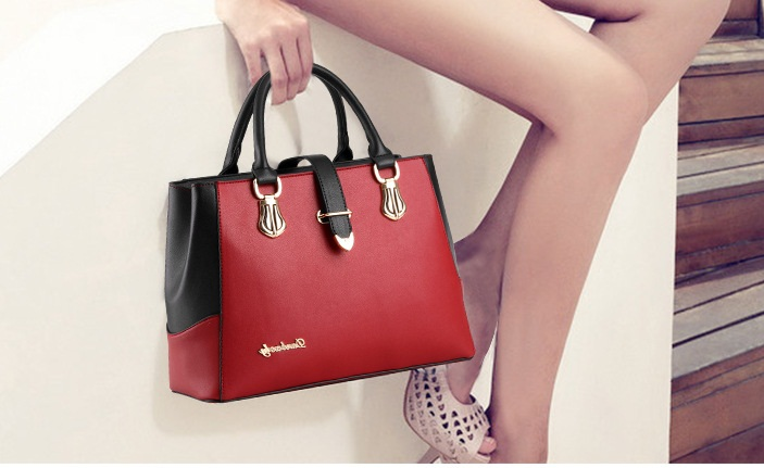 B8280 IDR.192.000 MATERIAL PU SIZE L33XH23XW13CM WEIGHT 900GR COLOR RED