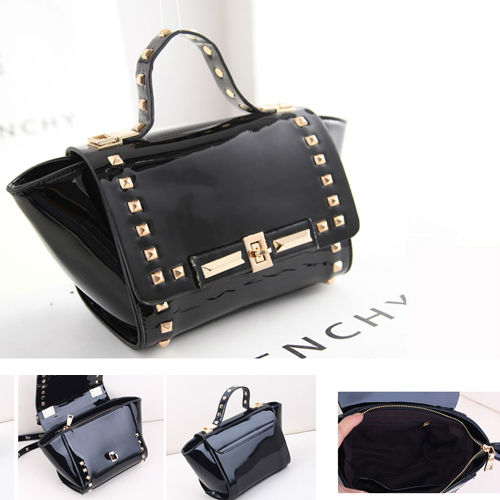 B8321 IDR.195.000 MATERIAL PU SIZE L25XH17XW9CM WEIGHT 650GR COLOR BLACK