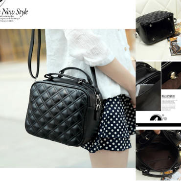 B8335 IDR.158.000 MATERIAL PU SIZE L23XH29XW13CM WEIGHT 600GR COLOR BLACK