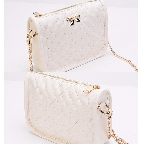 B8357 IDR.140.000 MATERIAL PU SIZE L22XH15XW7CM WEIGHT 400GR COLOR WHITE