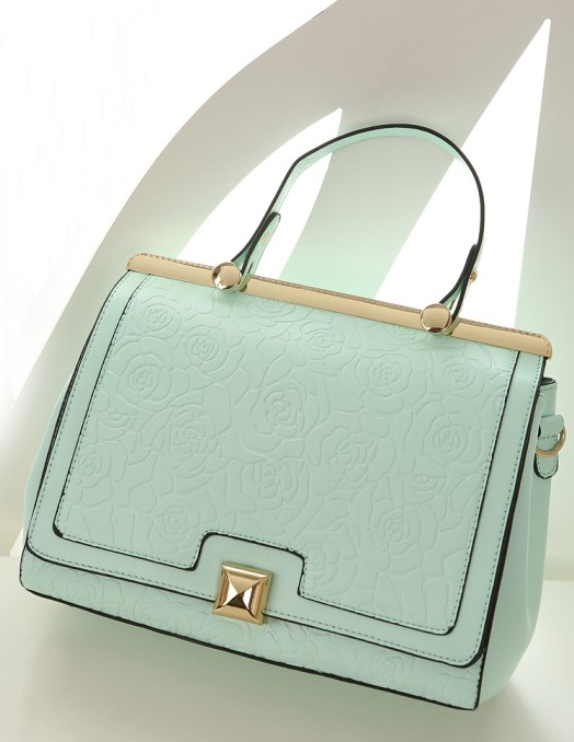 B8375 IDR.235.000 MATERIAL PU SIZE L29XH24XW10CM WEIGHT 850GR COLOR BLUE