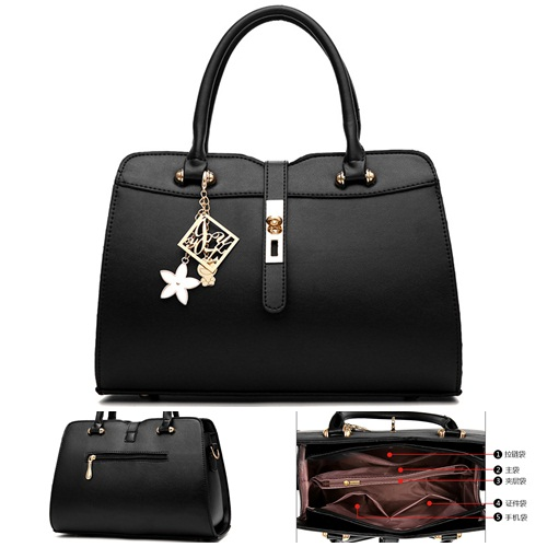 B839 IDR.190.000 MATERIAL PU SIZE L33XH21XW16CM WEIGHT 800GR COLOR BLACK
