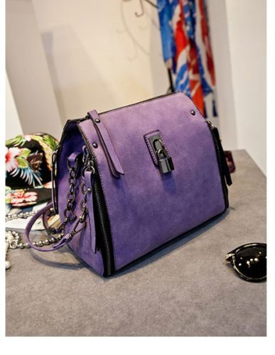 B8411 MATERIAL PU SIZE L21XH25XW11CM WEIGHT 850GR COLOR PURPLE