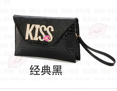 B8421 IDR.172.000 MATERIAL PU SIZE L28XH18XW2CM WEIGHT 550GR COLOR BLACK