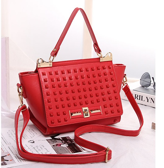 B8426 IDR.219.000 MATERIAL PU SIZE ;23XH19XW11CM WEIGHT 700GR COLOR RED.jpg