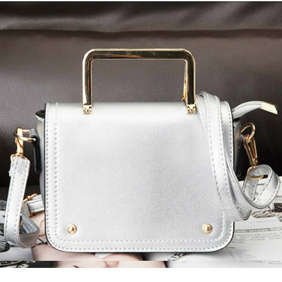B8429 IDR.169.000 MATERIAL PU SIZE L17XH13XW5CM WEIGHT 650GR COLOR SILVER