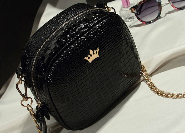 B8436 IDR.152.000 MATERIAL PU SIZE L19XH16XW8CM WEIGHT 500GR COLOR BLACK.jpg