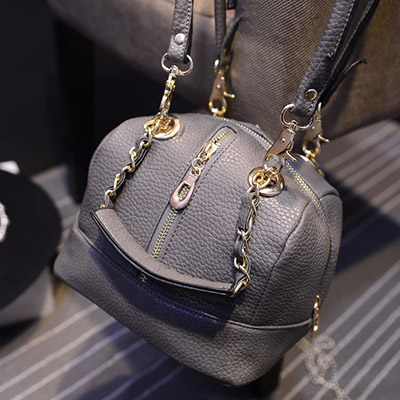 B8502 IDR.197.000 MATERIAL PU SIZE L21XH16XW17CM WEIGHT 600GR COLOR GRAY
